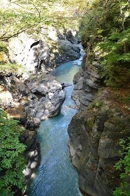 吾妻の渓谷