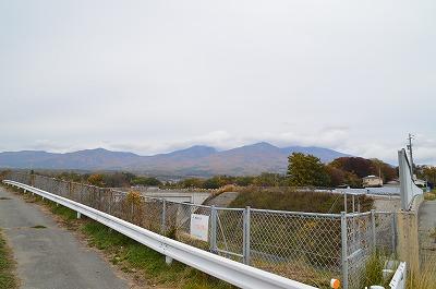 曇る浅間山
