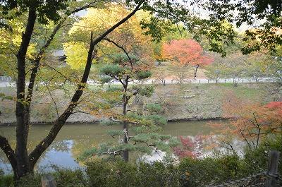 上田城の堀は深い