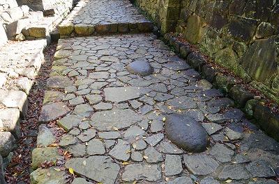 大手虎口の飾り石