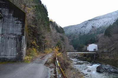 下呂までは渓谷
