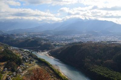 恵那山は曇ってる