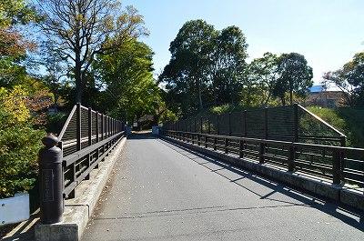線路上の橋