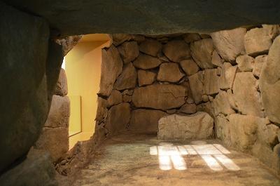 石室の再現