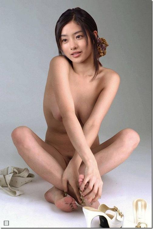 blog-imgs-43-origin.fc2.com_i_d_o_idolgazoufree_ishihara_satomi_17