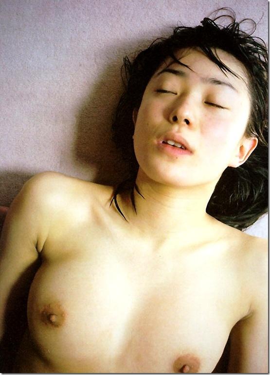 blog-imgs-56-origin.fc2.com_i_d_o_idolgazoufree_kanno_miho_a01