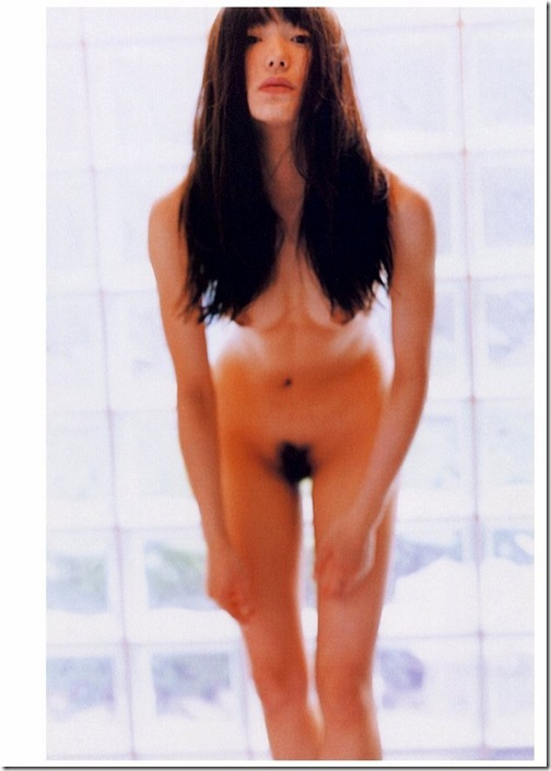 blog-imgs-56-origin.fc2.com_i_d_o_idolgazoufree_kanno_miho_a11