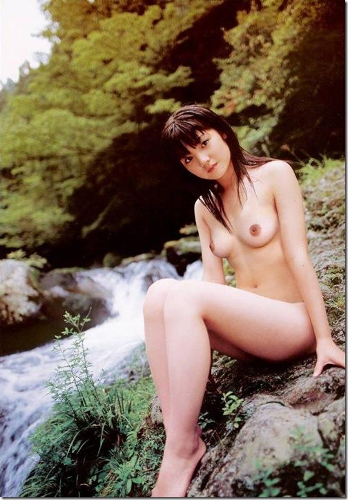 blog-imgs-56-origin.fc2.com_i_d_o_idolgazoufree_michishige_sayumi_b01