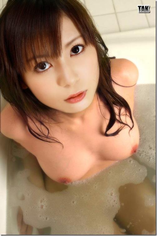 blog-imgs-56-origin.fc2.com_i_d_o_idolgazoufree_nakagawa_shoko_b11