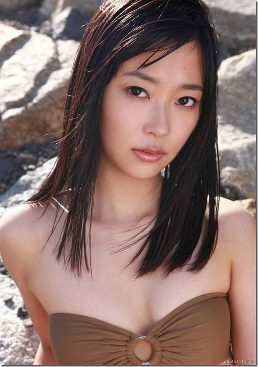 blog-imgs-56-origin.fc2.com_i_d_o_idolgazoufree_sashihara_rino_a08