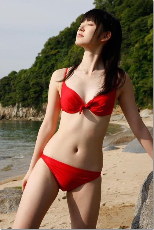 blog-imgs-56-origin.fc2.com_i_d_o_idolgazoufree_suzuki_airi_a09