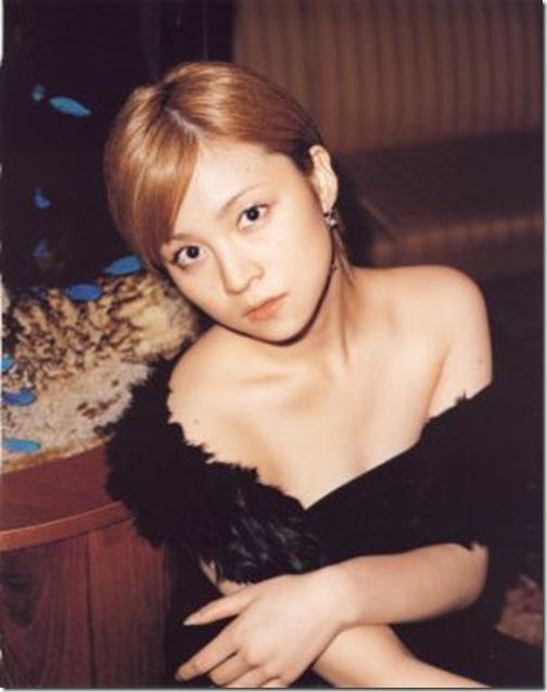 blog-imgs-56-origin.fc2.com_i_d_o_idolgazoufree_yoshizawa_hitomi_a00