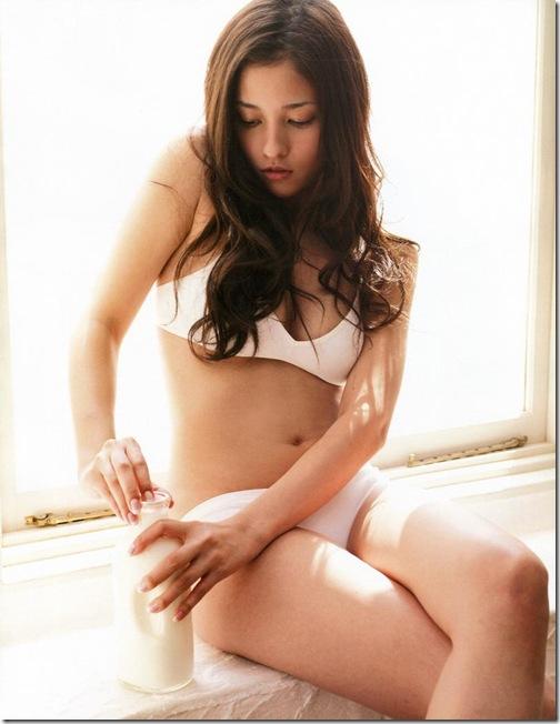 blog-imgs-61-origin.fc2.com_i_d_o_idolgazoufree_kuroki_meisa_a12