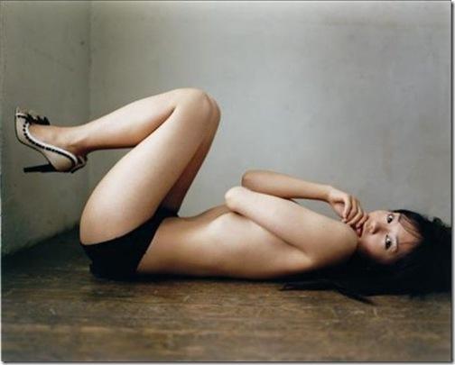 【中村ゆり(女優パッチギ)】セクシービキニおっぱいセミヌード裸エロ画像動画