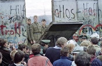壁崩壊の瞬間