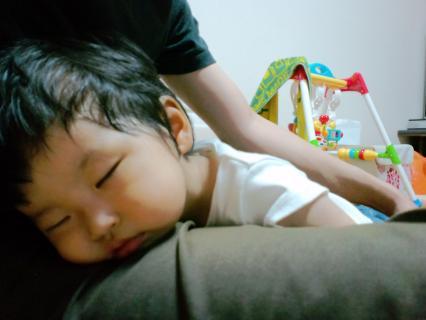 昼はよく寝るユウリ