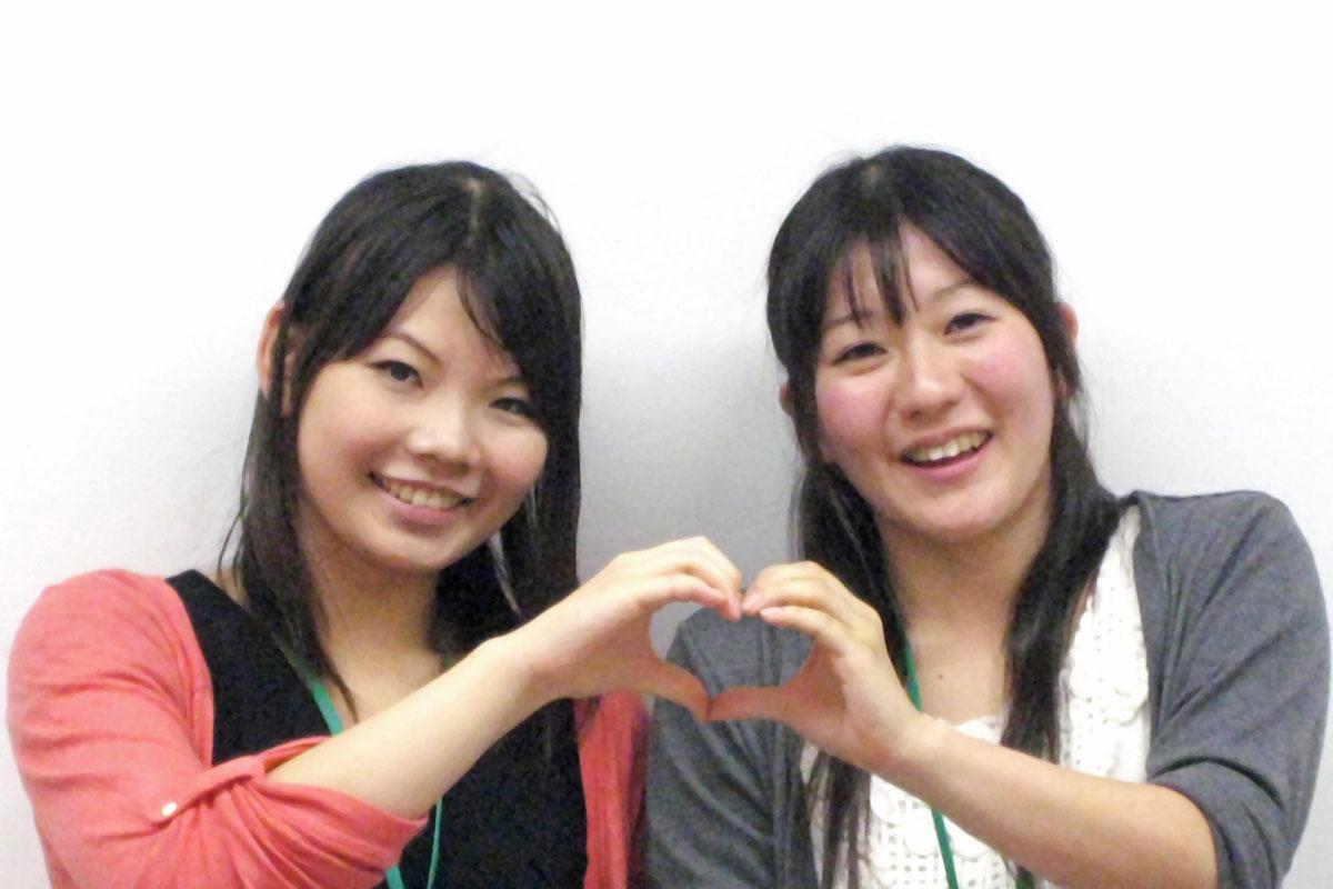 松井桃子・まついももこ(左:声優コース1年/小泉絵梨・こいずみえり(右:声優コース2年