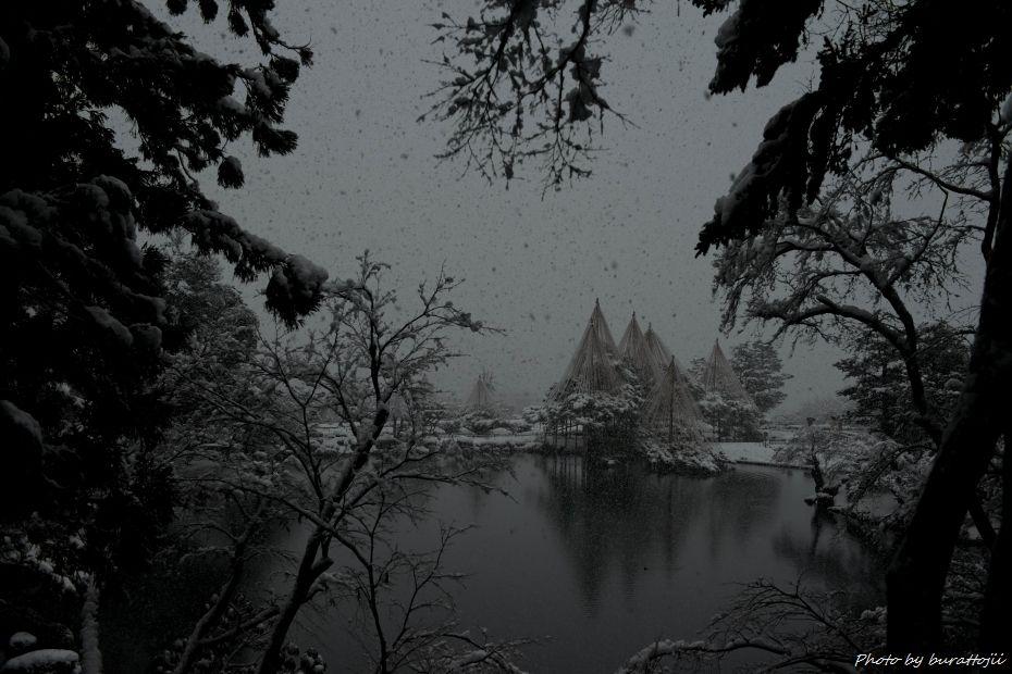 2014.12.06雪降る兼六園12