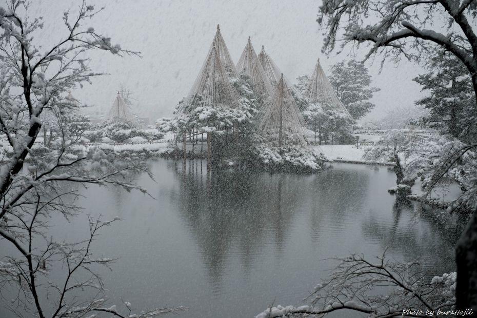 2014.12.06雪降る兼六園11
