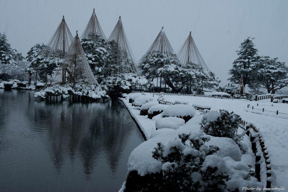 2014.12.06雪降る兼六園8