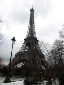 Parisのシンボル エッフェル塔