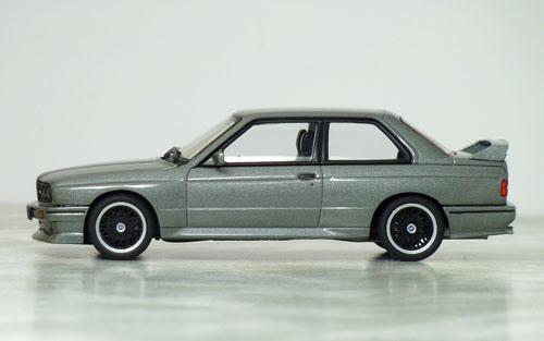 オートアート BMW M3 S.E.チェコット03