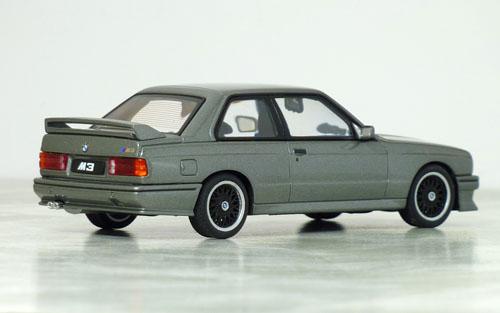 オートアート BMW M3 S.E.チェコット04