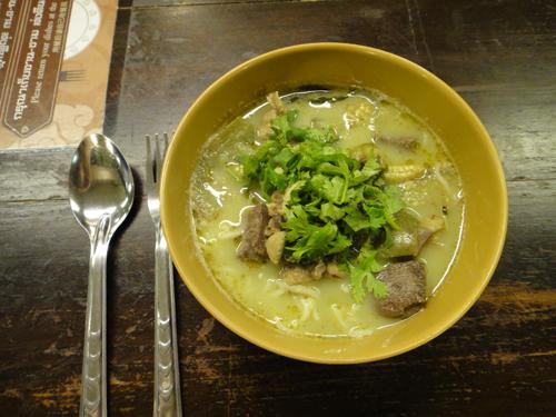 2014Thai_Green_Curry_ขนมจีน-3