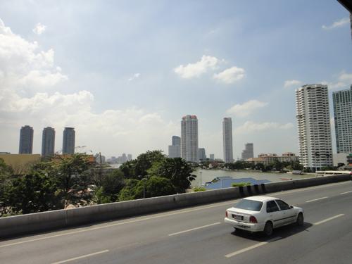 2014Chao_Phraya_Express_Boat-2.jpg