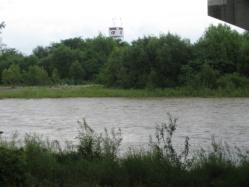 大雨の後の濁流