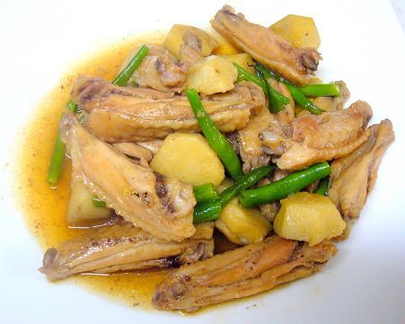 里芋と手羽先の炒め煮