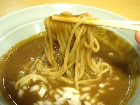 小川屋荒町店・H22・11 カレーつけ麺 麺2