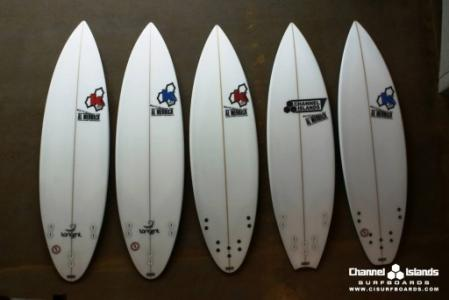 kelly-slater-semi-pro-ci-quiver-jbay-2010-bottom-512x342.jpg