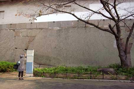 s大阪城大手枡形巨石