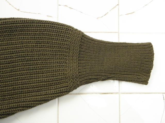 130NAVYセーター 012