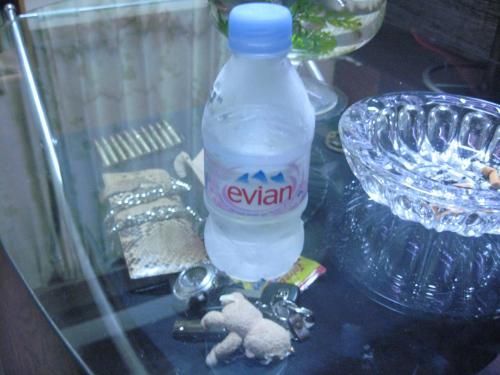 人生初めて買った水 エビアン
