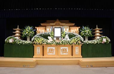 黄色の大きな花祭壇