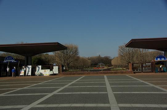 130223-01P shouwa kinen park gate