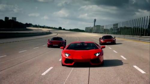 イタリアでMRスーパーカーを駆る