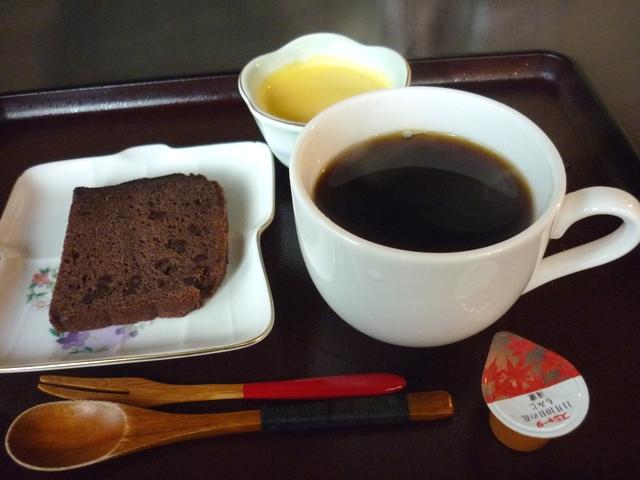 ホットコーヒーとデザート