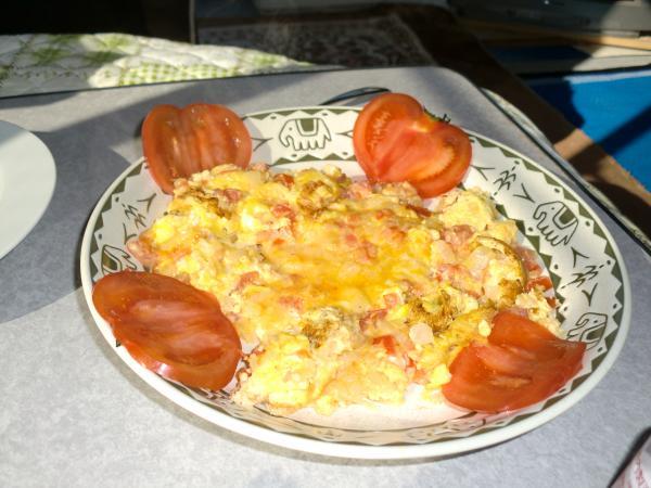 カウチサーフィン(カナダ、アリス)、コロンビアの伝統的な朝食。