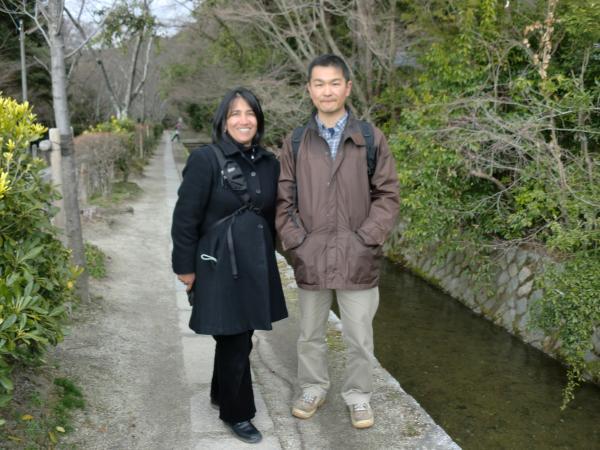 カウチサーフィン(アリス・コロンビア・カナダ)、京都・哲学の道にて。