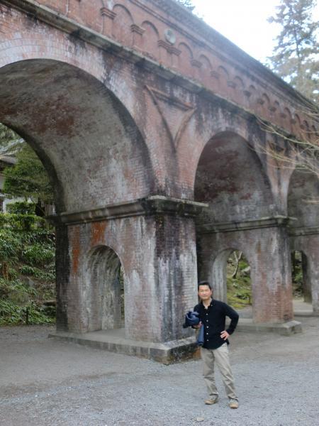 カウチサーフィン(イギリス・ロンドン、バーニー)、京都の南禅寺にて。