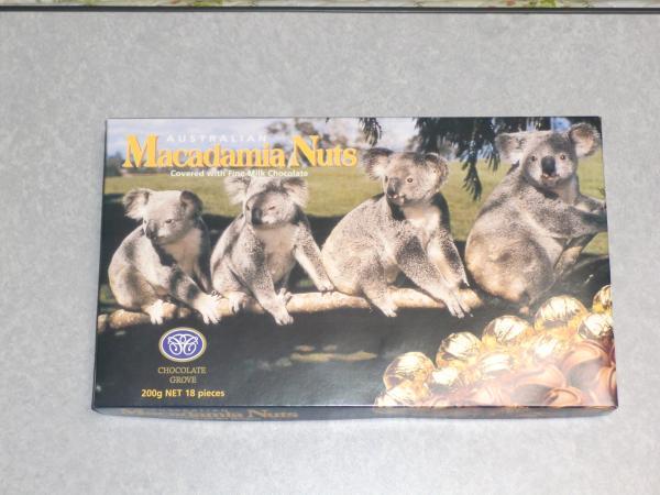 カウチサーフィン(日本、オーストラリア、マキ)、チョコレートのお土産。
