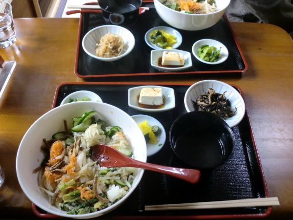カウチサーフィン(日本・オーストラリア、マキ)、京野菜のお店。