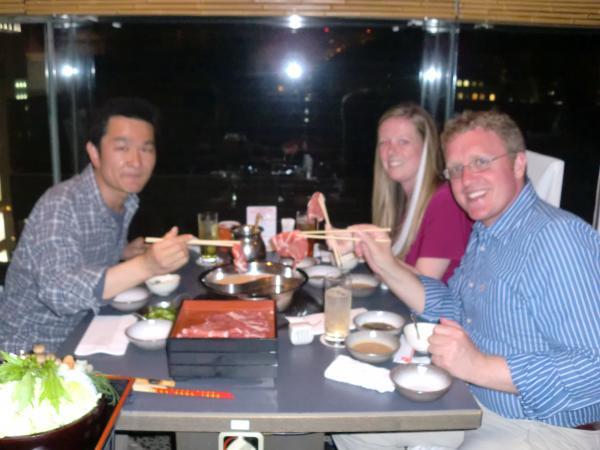 カウチサーフィン(アメリカ、ケイシーとアダムと私)、しゃぶしゃぶ食べ放題。