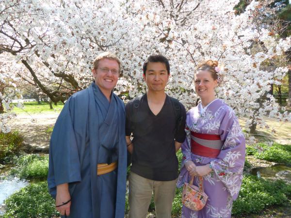 カウチサーフィン(アメリカ、ケーシーとアダムと私)、京都御所にて
