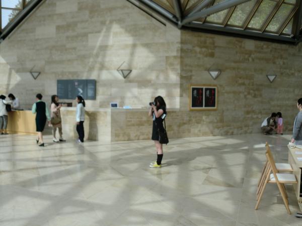 カウチサーフィン(カナダ、メラニー)、Miho Museumにて