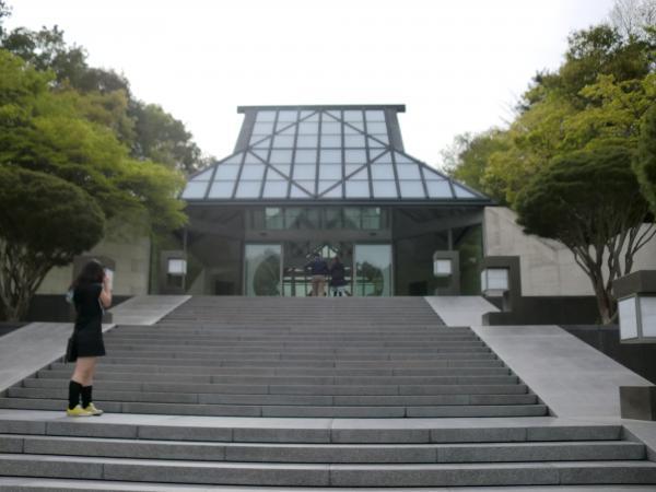 カウチサーフィン(カナダ、メラニー)、Miho Museumの玄関