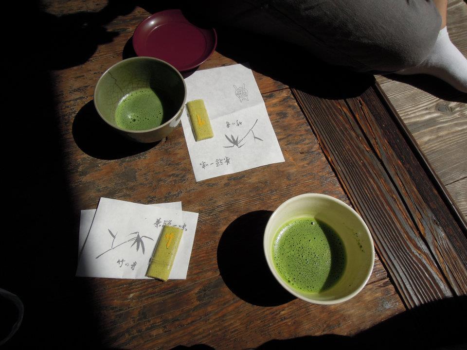 抹茶とお菓子(地蔵院にて)